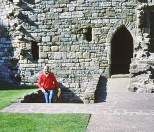 Owen emerging from the lower part of Caernarvon
