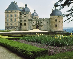 The extraordinary Chateau de Montfort in the Dordogne